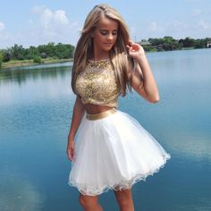 Los vestidos de dos piezas son la última sensación. ¿No te encantan?