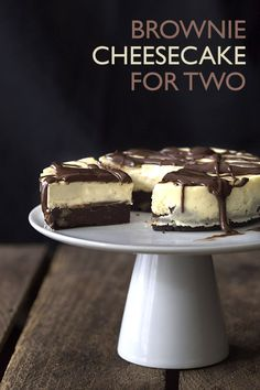 My famous Low Carb Brownie Cheesecake, now in miniature. The perfect low carb dessert for sharing. LCHF THM Banting Keto Recipe. via @dreamaboutfood Dessert For Two, Keto Desserts, Easy Keto Dessert, Keto Recipes, Ketogenic Recipes, Keto Foods, Brownie Recipes, Yummy Recipes, No Bake Keto Cheesecake