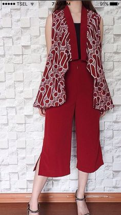 Batik Fashion, Ethnic Fashion, Hijab Fashion, African Fashion, Womens Fashion, Blouse Batik, Batik Dress, Batik Blazer, Kebaya Dress