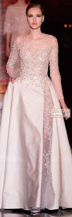 Elie Saab Fall Winter Haute Couture october wedding colors schemes / fall wedding ideas colors october / fall wedding ideas november / fall winter wedding / fall colors for wedding Beautiful Gowns, Beautiful Outfits, Elegant Dresses, Nice Dresses, Elie Saab Couture, Gowns Couture, Elie Saab Fall, Bridal Gowns, Wedding Dresses