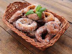 Receta de rosquillas fritas de Semana Santa Spanish Desserts, Just Desserts, Spanish Recipes, Best Spanish Food, Tapas Recipes, Food For Thought, Donuts, Muffin, Easter
