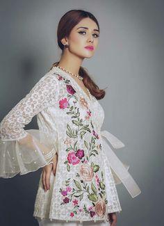 Saira Rizwan's New 'Allure' Eid Collection is a mixture of Print, Embroidery and Embellishment  #Gorgeous #Elegant #LuxuryPret #SairaRizwanOfficial #AnusheyMughalOfficial  #ZaraGulOfficial #EidCollection17 #SummerCasual #SummerEidCollection #PakistaniFashion #PakistaniCelebrities  ✨
