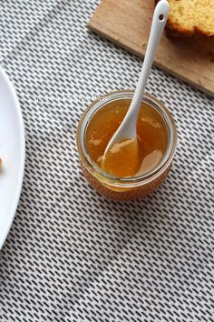My Little Expat Kitchen: Pear and vanilla honey