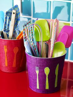 Kitchen Utensils Bring them to circle time and discuss their names and uses. Ask children if they know what each one is used for! Cosy Kitchen, Kitchen Dining, Kitchen Utensils, Kitchen Gadgets, Kitchen Models, Kitchen Colors, Kitchen Accessories, Kitchen Interior, House Colors