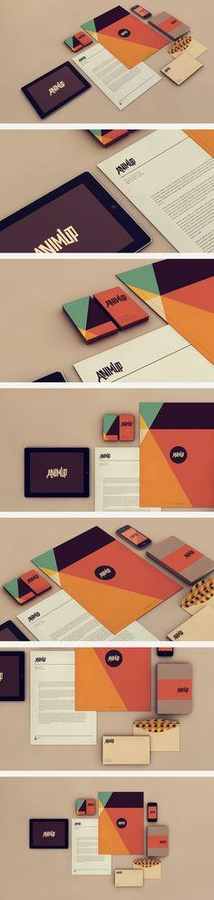 Le logo, les couleurs et les formes géométriques