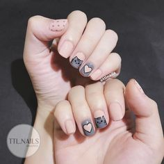 The latest cat nail art is no longer limited to just painting on nails, it directly turns nails into a cat's head. Cat Nail Art, Animal Nail Art, Cat Nails, Cartoon Nail Designs, Cat Nail Designs, Cartoon Design, Korean Nail Art, Korean Nails, Nail Swag