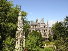Mysterious Sintra Quinta da Regaleira. This place is a LOT older than the Moneybags Monteiro Italian set-designer architects design that we see today but has its roots deep in Templar tradition. The style has a mix of Romantic, Gothic, Renaissance and Manueline traces.