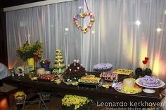 Mesa de doces do Arraial de Bodas