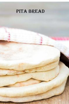 Arabic Bread, Arabic Food, Lebanese Cuisine, Lebanese Recipes, Middle Eastern Dishes, Middle Eastern Recipes, Pita Bread, Dry Yeast, How To Make Bread