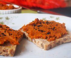 Vege Szamanka: Słodko-ostra pasta z pieczonej marchewki