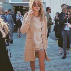 Crushin on this minimal and Scandinavian way of dressing