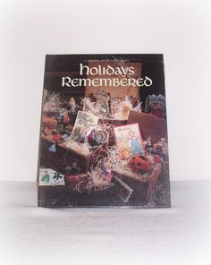 """Leisure Arts Book """"Holidays Remembered Book Five"""" Christmas, Halloween…"""