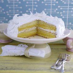 Unser beliebtes Rezept für Vanillekuchen mit Lemon Curd und Frosting (Rezept Cynthia Barcomi) und mehr als 55.000 weitere kostenlose Rezepte auf LECKER.de.