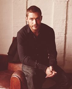 I lied. I'd take Tom Hardy over young Leo any day. Swooooooon! I love him.