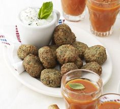 Spinach & feta falafel bites: These simple canapés can be made ahead of time and served up at your Christmas party Bbc Good Food Recipes, Cooking Recipes, Vegetarian Recipes, Vegetarian Barbecue, Barbecue Recipes, Vegetarian Cooking, Cooking Tips, Easy Recipes, Healthy Recipes