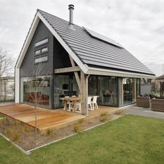 Tiny House Cabin, Tiny House Design, Cabine Diy, German Houses, Diy Cabin, Backyard Studio, Design Exterior, Dome House, Modern Farmhouse Exterior