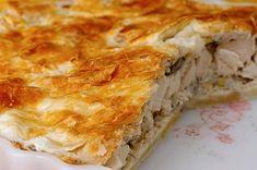 Όταν ο Δημήτρης Σκαρμούτσος μας κακομαθαίνει: Λαχταριστή κοτόπιτα με φύλλο γιαουρτιού - Στην κουζίνα ολοταχώς | eirinika.gr