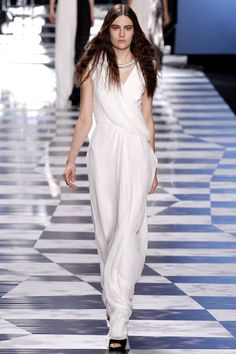 Viktor & Rolf Spring 2013 Ready-to-Wear Collection Slideshow on Style.com