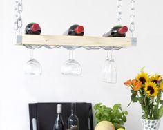 """Se vi piace intrattenere gli ospiti in cucina, di sicuro vorrete offrire anche un buon bicchiere di vino. E già che ci siete, fatelo con classe!  Utilizzando Dremel Trio (vedi """"Focus Prodotto"""" di martedì) realizzare il portabottiglie/portabicchieri sarà semplice e veloce."""