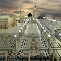 My favorite building in the world. Al-Masjid al-Nabawi, or the Prophet's Mosque in Medina, Saudi Arabia. I don't know why, but when I see this, this is what I think Heaven would look like. Islamic Images, Islamic Pictures, Islamic Art, Masjid Haram, Al Masjid An Nabawi, Mecca Masjid, Allah Islam, Islam Quran, Video Islam