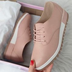 Sneakers outfit casuales mujer trendy ideas Source by casuales mujer Zapatos Shoes, Shoes Sandals, Shoes Sneakers, Trendy Shoes, Casual Shoes, Sneakers Outfit Casual, Sneakers Fashion, Fashion Shoes, Herren Outfit