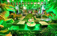 Festa Jurassic Park! O mundo dos dinossauros mais criativo e encantador! #party #festa #festascriativas #dinossauros #jurassicpark #dinossauros #decor #detalhes #festainfantil #decoracaoinfantil #kidsdecor #cenarioinfantil #mundoinfantil #maedemenino #cute #fofurice #kids #festabrasilia #festamaravilhosa #luxodefesta