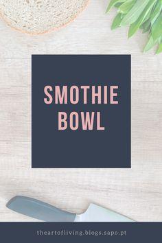 Uma receita ótima para o Verão e muito fresca. Feita com frutos congelados e muito instagramable, é também saudavel e cheia de bons nutrientes.  Fitness| Snack| Instagram| Quick Meal | Healthy | Weightloss | Sweet Smothie Bowl, Fresca, Letter Board, Colours, Lettering, Fitness, Drinks, Instagram, Quick Recipes