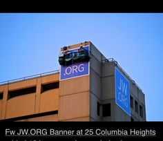 JW.ORG  Banner at 25 Columbia Heights