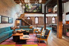 Egy XIX. századi raktárépületből alakították ki ezt az eklektikus loftot.  Az igazi