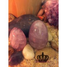 Chakra: Crown & Third Eye  Amethyst corresponds to the Crown & Third Eye Chakra. Your Crown Chakra is your connection to spirit and your divinity, and your Third Eye corresponds to clairvoyance, psychic abilities, intuition, and mental balance.  #amethyst #yonieggs #yoniegg