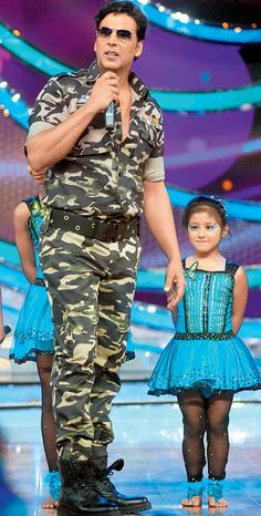 Akshay Kumar promoting his film 'Holiday: A Soldier Is Never Off Duty' on the sets of a dance reality show.