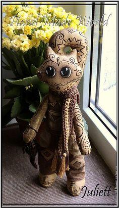 """Купить Кофейный котик """"Лаки"""", текстильная кукла - коричневый, бежевый, кошка, кошка текстильная, кот"""