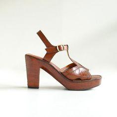 b813b0590 Wood Leather Sandals Sz 8    70s Platform Sandals Size 38.5    THE  MAHOGANY. Vintage ShoesLeather ...