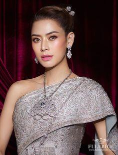 High Collar, Collar Necklace, Thailand, One Shoulder, Costumes, Formal Dresses, Wedding, Fashion, Turtleneck