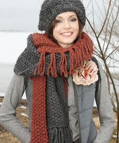 Fringed Hat and Scarf Knitting Pattern | Red Heart