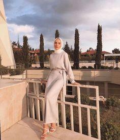 54 Super Ideas For Abaya Fashion Casual Chic Hashtag Hijab Hijab Fashion Casual, Street Hijab Fashion, Tokyo Street Fashion, Casual Hijab Outfit, Abaya Fashion, Muslim Fashion, Hijab Dress, Hijab Fashion Summer, Dress Casual