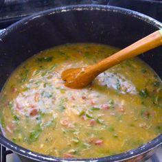 Aprenda a preparar a receita de Caldo de aipim com frango e calabresa