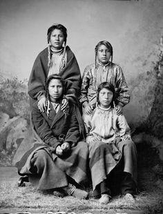American Indians : Mandan Hidatsa Men 1884.