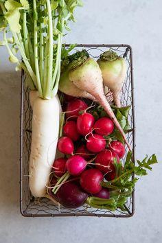 Your Guide to Radishes Radish Recipes, Veggie Recipes, Cooking Recipes, Cooking Tips, Radish Greens, Turnip Greens, How To Store Radishes, Escargot Recipe, Crudite Platter