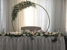 Highlight the beauty of your wedding or event with the Gold Moon Gate Steel Arch Arbor #wedding arch #wedding flowers#metal round arch#gold arch #photo shoot#2018 wedding trends#glam your wedding#rustic#