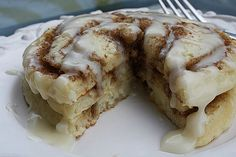 Cinnamon Roll Pancakes- yummy looking! Link leads to the main site, then click breakfast and then cinnamon roll pancakes! Cinnamon Roll Pancakes, Cinnamon Rolls, Pancakes Easy, Buttermilk Pancakes, Real Cinnamon, Pancake Cupcakes, Vanilla Pancakes, Gastronomia, Gourmet