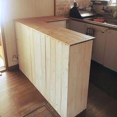 女性で、3LDKのナチュラル/DIY/カラーボックス DIY/キッチンカウンター/キッチン…などについてのインテリア実例を紹介。「キッチンカウンターDIY カラーボックス3つと家にある木材で♡」(この写真は 2017-01-15 09:11:15 に共有されました)