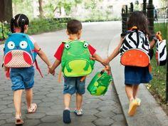 Gli zainetti di Skip Hop Zoo Packs sono originali e colorati, per accompagnare le avventure del tuo bambino alla scuola materna o nel tempo libero.