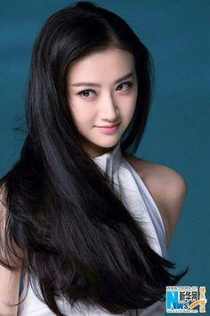 Mou Girl Jing Tian poses for photo shoot Beautiful Girl Image, Beautiful Asian Women, Jing Tian, Abs Women, Girls Image, Sexy Asian Girls, Pretty Face, Girl Photos, Beauty Women