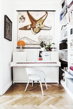 Pink and white piano in the happy Swedish home of Elsa Billgren. Photography: Beata Holmgren.