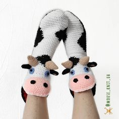 Love Crochet, Knit Crochet, Crochet Slippers, Knitted Gloves, Baby Booties, Crochet Projects, Diy And Crafts, Booty, Crafty