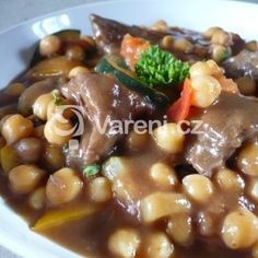 Fotografie receptu: Cizrna se zeleninou a masem Pot Roast, Beans, Food And Drink, Chicken, Baking, Vegetables, Ethnic Recipes, Fashion, Bulgur