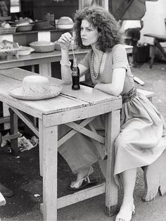 Sigourney Weaver having a soda- early Ghostbusters, Sigourney Weaver, Aliens Movie, Beautiful Women, Beautiful People, Portraits, Actrices Hollywood, English Men, Mode Vintage