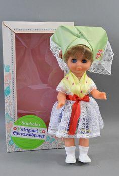 Soubeko Spielzeug Spreewald Puppe in Tracht mit Schlafaugen & Originalkarton | eBay
