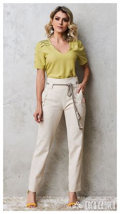 Discover recipes, home ideas, style inspiration and other ideas to try. Casual Work Outfits, Professional Outfits, Girly Outfits, Chic Outfits, Fashion Outfits, Elegant Dresses Classy, Classy Dress, Stylish Dresses, Casual Dresses